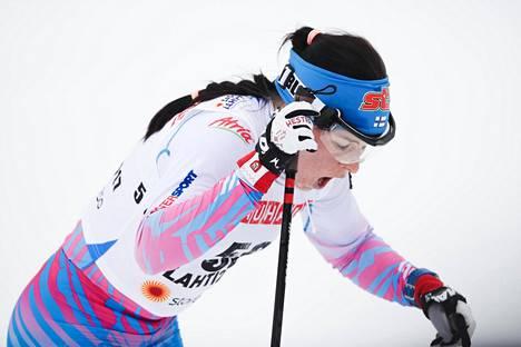 Krista Pärmäkoski haukkoi henkeä maalissa.