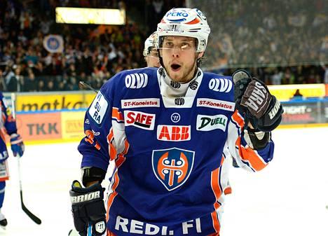 Jukka Peltola ratkaisi ensimmäisen finaalin Tapparalle.