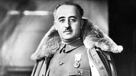 Espanjan diktaattori Francisco Franco (1892–1975) jätti jälkeensä maan, jossa on enemmän joukkohautoja kuin missään muualla maailmassa Kambodžaa lukuun ottamatta.