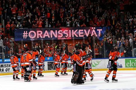 SM-liigan kausi 2018-2019 päättyi HPK:n mestaruusjuhliin.
