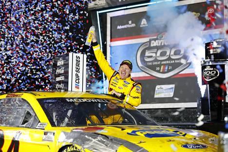Michael McDowell juhli Daytona 500:n voittoa sunnuntaina.