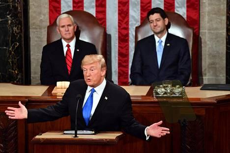 Presidentti Donald Trump pitämässä Kansakunnan tila -puhettaan edustajainhuoneen istuntosalissa viime vuoden tammikuussa.
