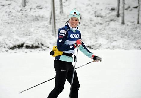 Krista Pärmäkoski harjoitteli Kuusamossa ennen maailmancupin avauskisaa.