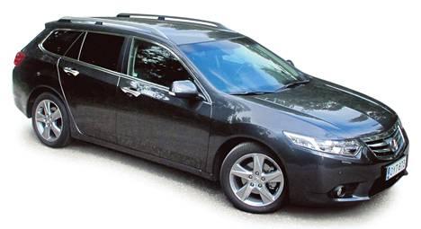 Uudistuneen Honda Accordin valtteja ovat moottorin kyvyt ja muotoilu