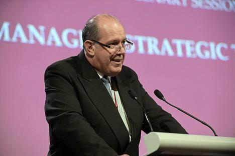 Australian puolustusministeri David Johnston