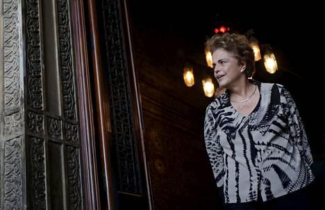 Brasilian presidentti Dilma Rousseff uhmaa viraltapanohanketta, jonka maan kongressi on käynnistänyt häntä vastaan. Keskiviikkona Roussef oli tulevassa olympiakaupungissa Rio de Janeirossa.