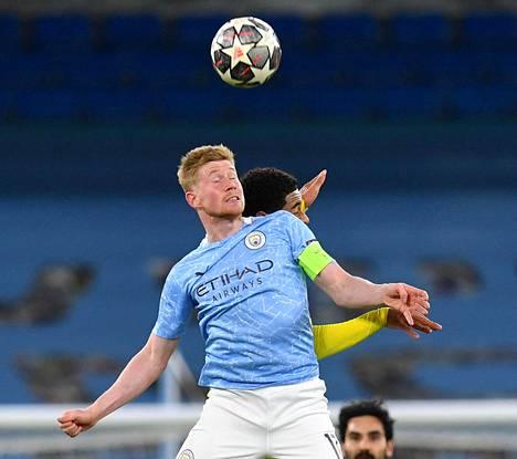 Belgialainen keskikenttämies Kevin de Bruyne teki Manchester City avausmaalin ja oli syöttäjänä toisessa.