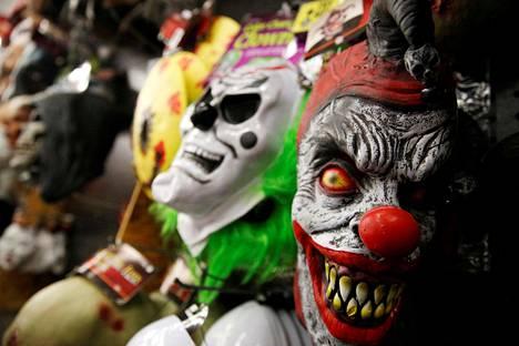 Klovnina pelotteluun liittyy todennäköisesti vallankäyttö ja sadismi.