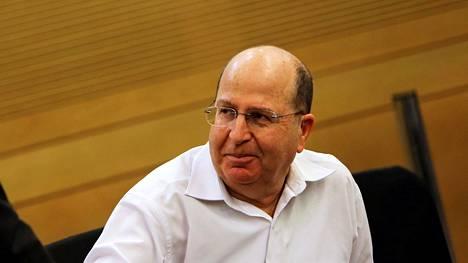 Israelin puolustusministeri Moshe Yaalon aikoo vetäytyä sekä hallituksesta että parlamentista.