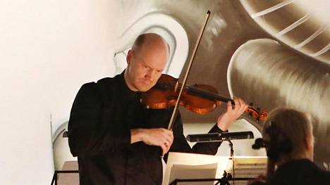 Pekka Kauppinen, viulu