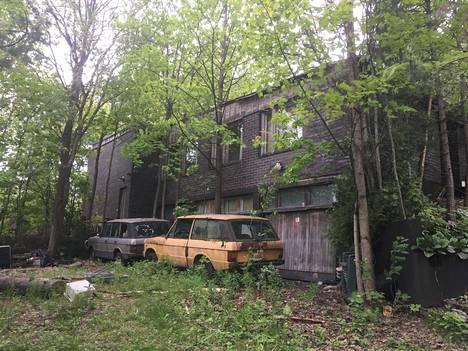 Manttaalitie 28:ssa Itä-Pakilassa sijaitseva talo on ollut pitkään asumattomana.