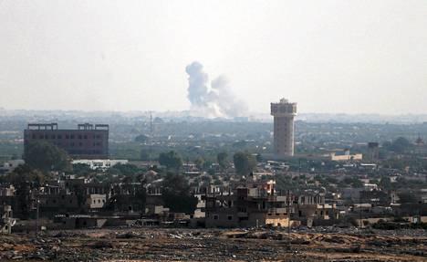 Savu nousi Egyptin Pohjois-Siinain ja Gazan rajan läheisyydestä keskiviikkona.