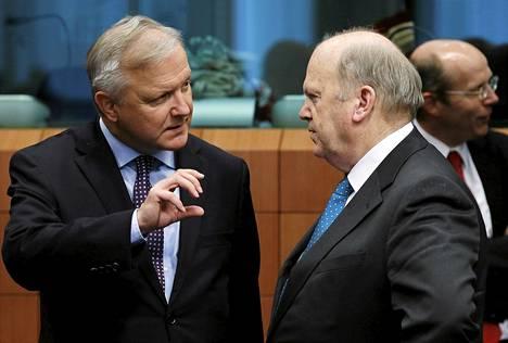 Olli Rehn puhui Irlannin valtiovarainministeri Michael Noonanin kanssa euroalueen talousministerien kokouksessa Brysselissä kaksi viikkoa sitten.