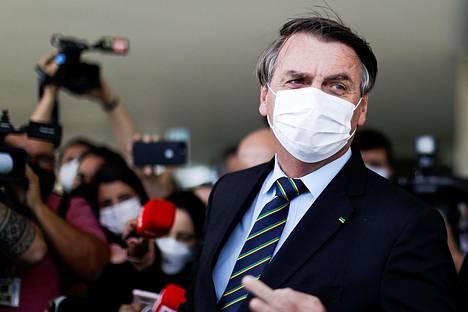 Presidentti Jair Bolsonaro puhui tiedotusvälineille Planalton palatsilla torstaina.