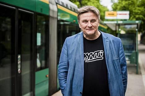 Onnibusseista tuttu Pekka Möttö puhuu nyt kimppakyytitaksien puolesta.