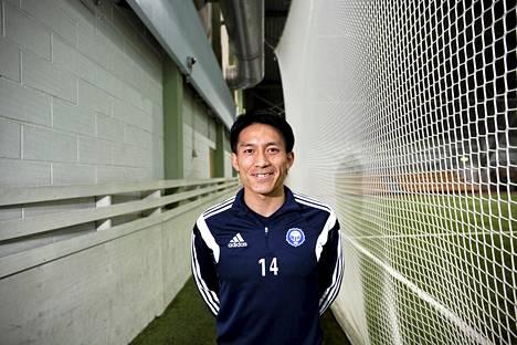 Atomu Tanaka avasi maalitilinsä HJK:n paidassa.