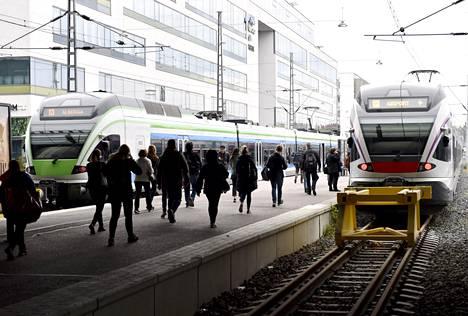 Helsingissä asuneita ihmisiä muutti viime vuonna erityisesti pääkaupunkiseudun lähikuntiin.