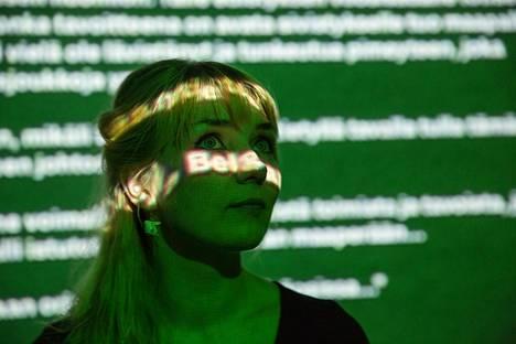 Laura Gustafssonin on kirjoittanut Huorasatu-romaanin, joka kiteyttää paljon suomalaisista dystopioista.