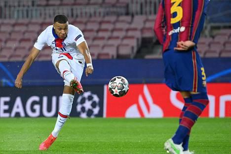 Näin lähti Kylian Mbappén laukaus kohti FC Barcelonan maalia 16. helmikuuta pelatussa Mestarien liigan ottelussa.