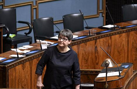 Eduskunta valitsi täysistunnossaan ensimmäiseksi varapuhemieheksi Tarja Filatovin.