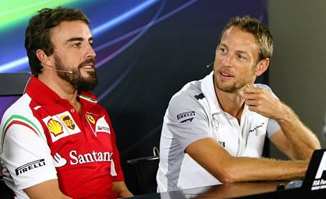 Fernando Alonso ja Jenson Button saattavat olla ensi kaudella tallikavereita.