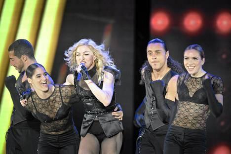 Pop-laulaja Madonna esiintyi Helsingin Jätkäsaaressa elokuussa 2009. Live Nationin järjestämään konserttiin myytiin 85000 lippua ja se oli suurin Pohjoismaissa koskaan järjestetty maksullinen konsertti.