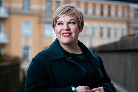Kulttuuri- ja tiedeministeri Annika Saarikko (kesk) kertoi HS:n haastattelussa kantavansa huolta osallistujien turvallisuudesta, mikäli jääkiekon MM-kisat järjestetään Valko-Venäjällä.