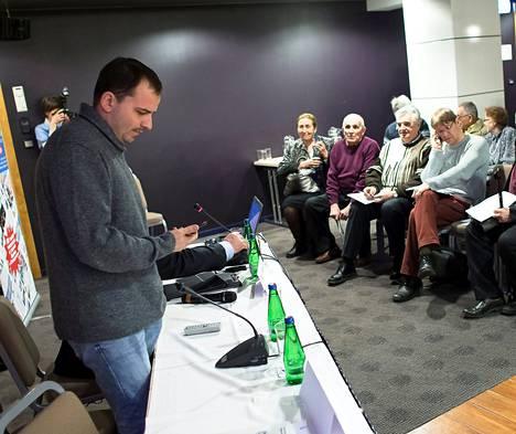 Konstantin Sjomin puhui perjantaina Tallinnassa yleisölle, joka koostui lähinnä venäjänkielisistä.
