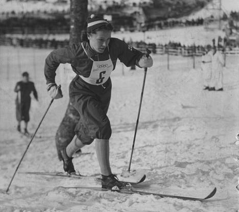 Lydia Wideman Oslon vuoden 1952 kultahiihdossa.