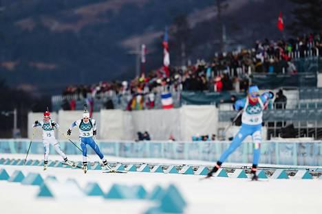 Kaisa Mäkäräinen jäi kolmenneksitoista naisten 15 kilometrin ampumahiihdossa.