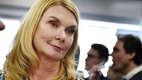 Uudeksi puheenjohtajaksi valittiin hallitusammattilainen Sanna Suvanto-Harsaae.