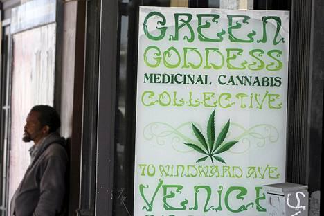 Lääkekannabista myyvä kauppa Los Angelesissa.