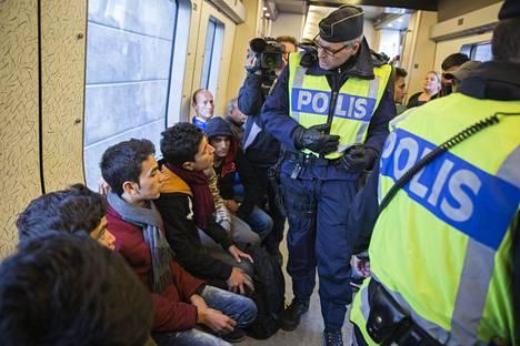 Ruotsi aloitti rajatarkastukset Kööpenhamista tulevissa junissa Mälmössä marraskuussa 2015.