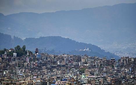 Nepalin pääkaupungin Kathmandun ilma on kirkastunut. Kuva on toukokuun toiselta viikolta.