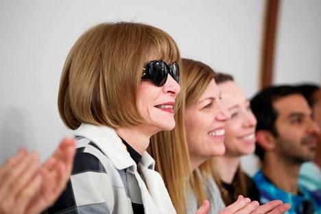 Voguen päätoimittaja Anna Wintourin mukaan kuvilla haluttiin juhlistaa Harrisin saavutuksia.