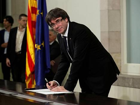 Katalonian entinen aluejohtaja Carles Puigdemont.