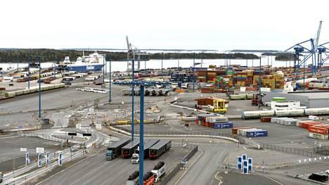 Syyskuussa satamissa oli hiljaisempaa kuin vuosi sitten. Vuosaaren satama Helsingissä.
