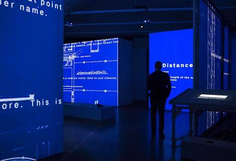 Laura Gustafsson ja Terike Haapoja aloittivat jo vuonna 2012 Toisten historia -projektin, josta myös Epäihmisyyden museo ponnistaa.