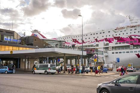 Noin neljäsosa ruotsinlaivoilla Turkuun saapuvista on ruotsalaisia.