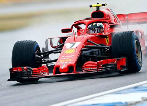 Kimi Räikkönen oli Saksan Hockenheimilla lauantaina aika-ajon kolmas.