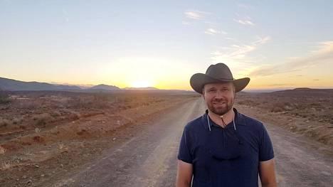 Jyri Kähönen on ohjannut tv-sarja Trackersia muun muassa Karoon aroalueella Etelä-Afrikassa.