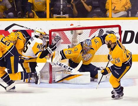 Nashville piti Penguinsin kahdessa maalissa kahdessa pelissä.