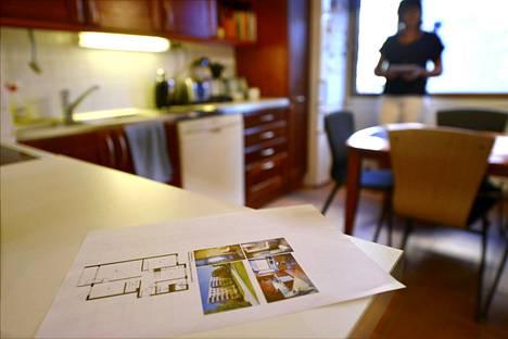 Ostotoimeksiannolla ostaja välttyy ravaamasta asuntonäytöillä.