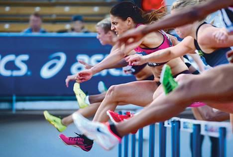 Nooralotta Neziri voitti Turussa sadan metrin aitajuoksun ajalla 13,38.