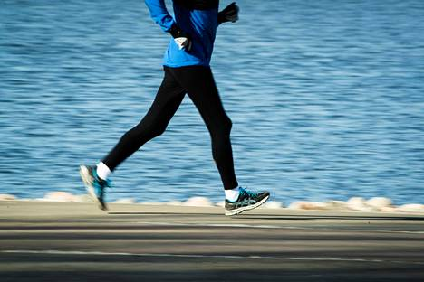Liikkumista kannattaa lähestyä enemmän hyvinvoinnin kuin suorituksen kautta.