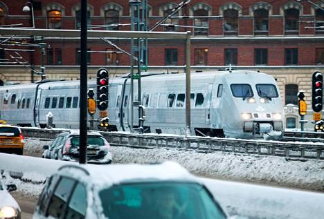 Ruotsin valtion rautatieyhtiö yrittää vastata lisääntyvään kilpailuun päivittämällä kalustoaan. Uusissa junissa on vanha kuori, mutta tekniikka ja sisustus on uusittu.