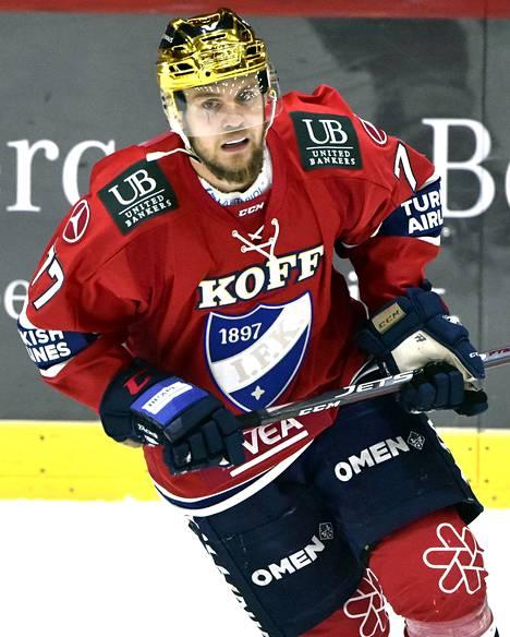Teemu Turunen palasi HIFK:n kokoonpanoon oltuaan sivussa seitsemän viikkoa ja teki maalin viiden minuutin pelin jälkeen.