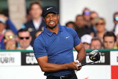 Tiger Woods kilpaili viimeksi helmikuun alussa Dubaissa Euroopan-kiertueen kilpailussa, jonka hän keskeytti selkäkivun takia.