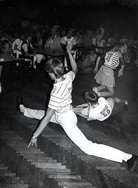Breakdancen mallia Helsingissä toukokuussa 1984.