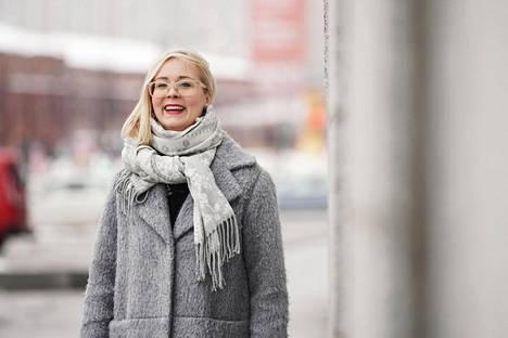 Ruuhkavuodet voi nähdä myönteisenä elämänjaksona, sanoo Anni Erkko.
